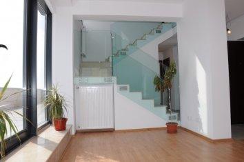 scara interioara apartament nou